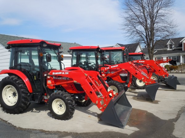 Branson 4520C Tractor w/loader-4wd