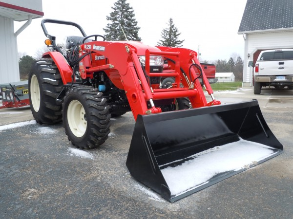 New Branson 4720h Tractor w/loader- 4WD