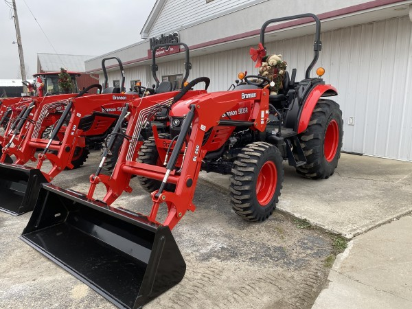 Synchro Shuttle/Hydrostatic Compact Tractors