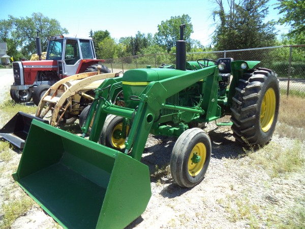 Used JD 2130 Tractor w/Loader- 2WD