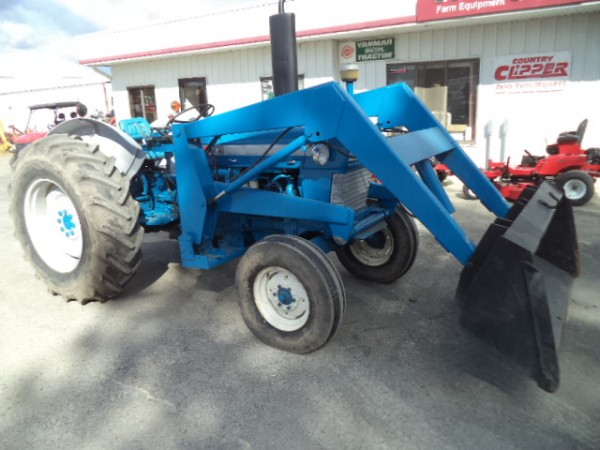 Used Ford 4000 w/ Loader- 2WD