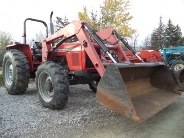Used MF 471 Tractor w/Loader- 4WD