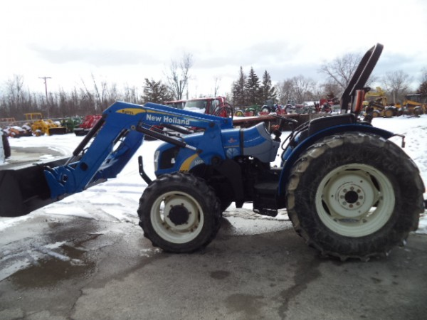 Used NH T4030 Tractor w/ Loader- 4WD