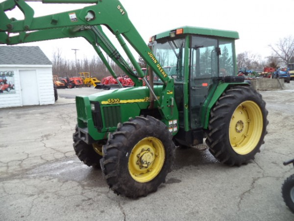 Used JD 5510 Cab Tractor w/Loader- 4wd