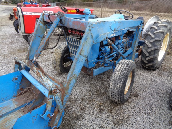 Used Ford 3000 Tractor w/loader- 2wd