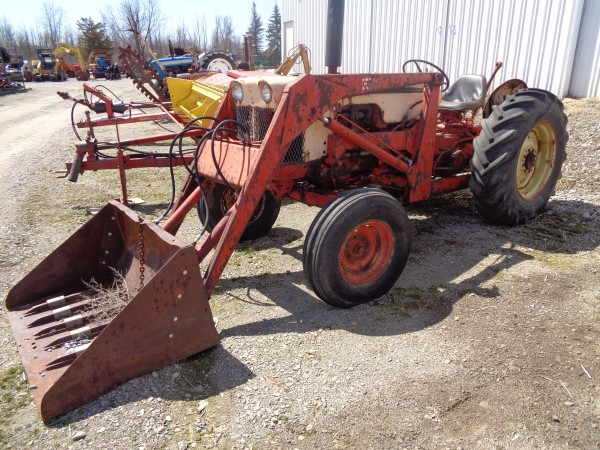 Used Case 530 Tractor w/Loader- 2WD