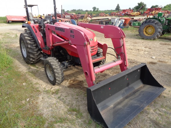 Used Mahindra 3510 Tractor w/Loader- 4wd
