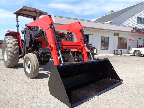 Used MF 471 Tractor w/Loader- 2wd