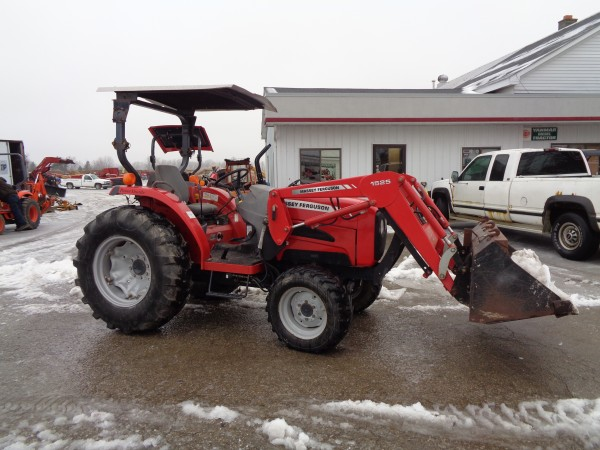 Used MF 1533 w/Loader- 4wd