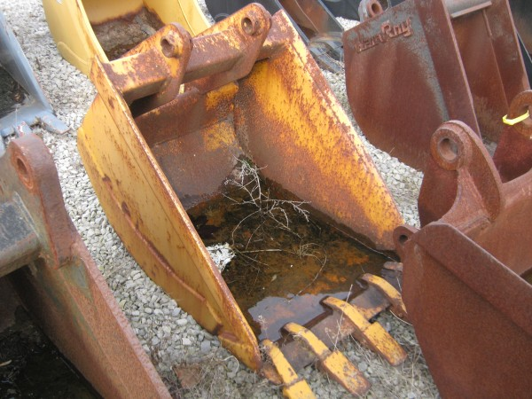 Used John Deere Backhoe bucket